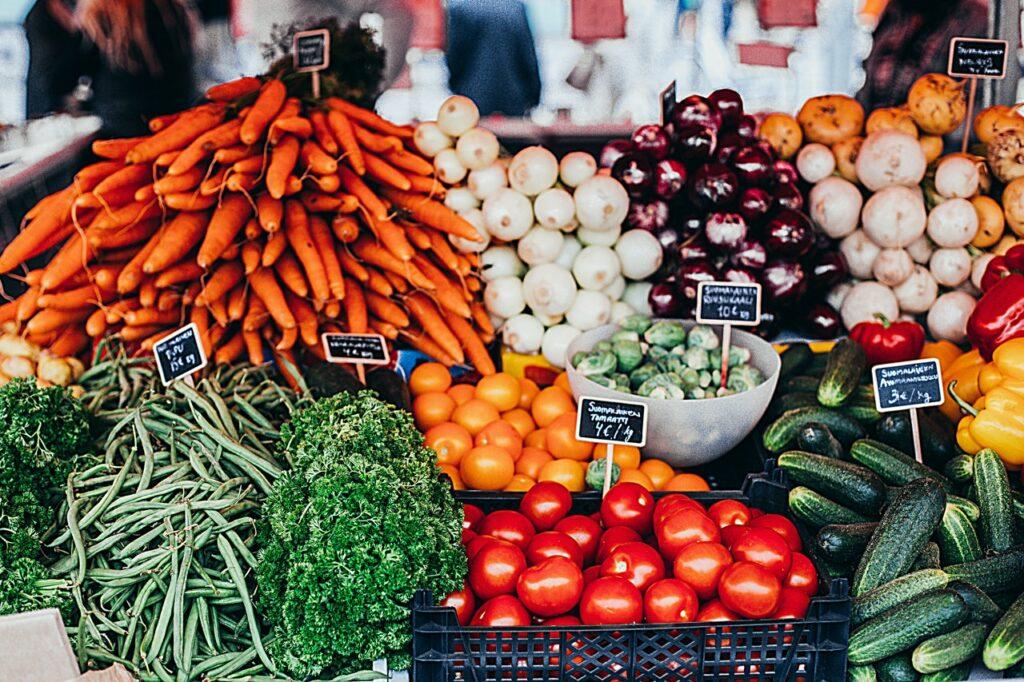 Farmářské trhy se zeleninou
